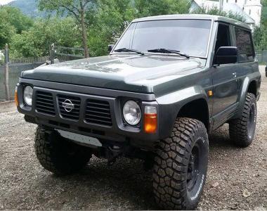Nissan-Patrol-Y60-1