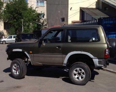 Nissan-Patrol-Y61-100-mm-4