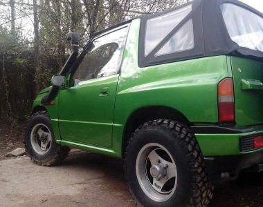 Suzuki-Grand-Vitara.-02-1