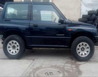 Suzuki-Grand-Vitara-1