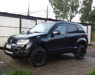 Suzuki-Grand-Vitara-2005-1