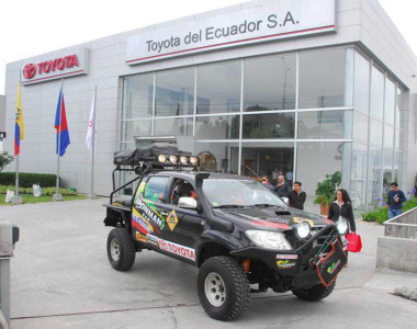Toyota-Hilux-2012-Ironman4x4-Ecuador-3