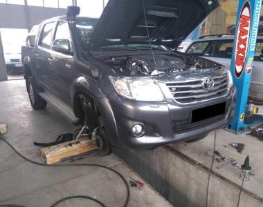 Toyota-Hilux-2015-1