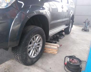 Toyota-Hilux-2015-3