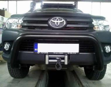 Toyota-Hilux-Revo-2016-2-инча-1