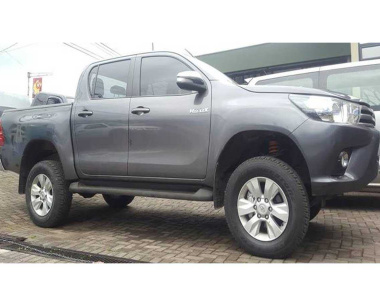 Toyota-Hilux-Revo-2017-1