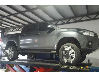 Toyota-Hilux-Revo-2017-3