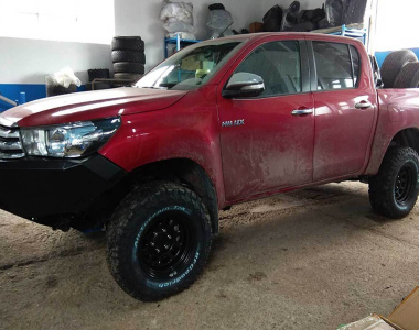 Toyota-Hilux-Revo-2017-7