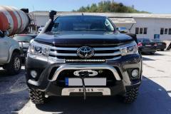 Toyota-Hilux-Revo-2018-2-инча-1