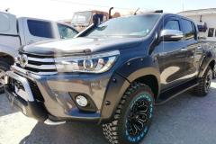 Toyota-Hilux-Revo-2018-2-инча-4