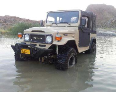 Toyota-Land-Cruiser-40-8
