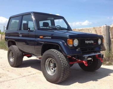 Toyota-Land-Cruiser-70-1988-1