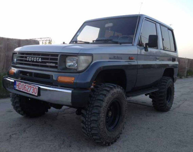 Toyota-Land-Cruiser-70-1993-2