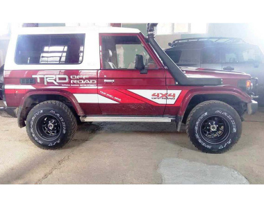 Toyota-Land-Cruiser-73-6
