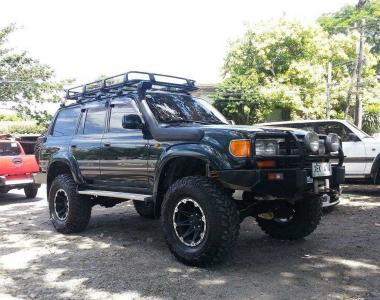 Toyota-Land-Cruiser-HDJ80-1