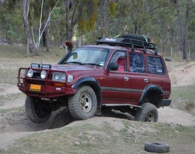 Toyota-Land-Cruiser-HDJ80-9