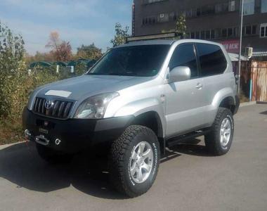 Toyota-Land-Cruiser-Prado-120-1