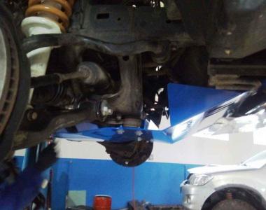 Toyota-Land-Cruiser-Prado-120-2