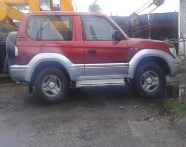 Toyota-Land-Cruiser-Prado-90-2