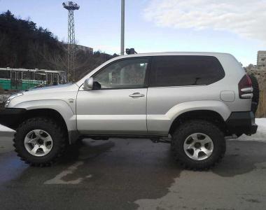 Toyota-Land-Cruiser-Prado120-3