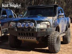уширители kut snake Nissan Navara D22 - 80 mm